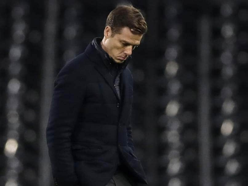 Fulham Manager Scott Parker Self-Isolating After Household Member Tests COVID-19 Positive | Football News